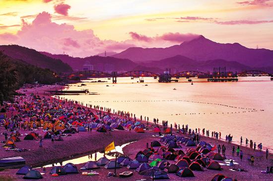 露营胜地玫瑰海岸:支起帐篷,头枕沙滩,聆听大海声韵,抛却琐事烦忧,置
