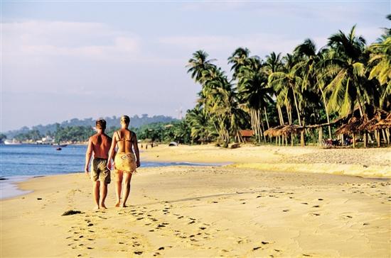 地理位置:富国岛镶嵌在越南西南海域暹罗