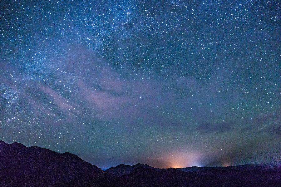 色彩星空风景图
