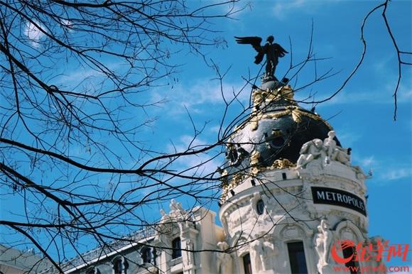 1马德里街头的精美建筑.jpg