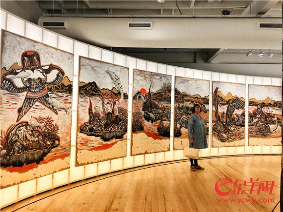 白兔画廊中收集了许多中国现代画家的作品.jpg