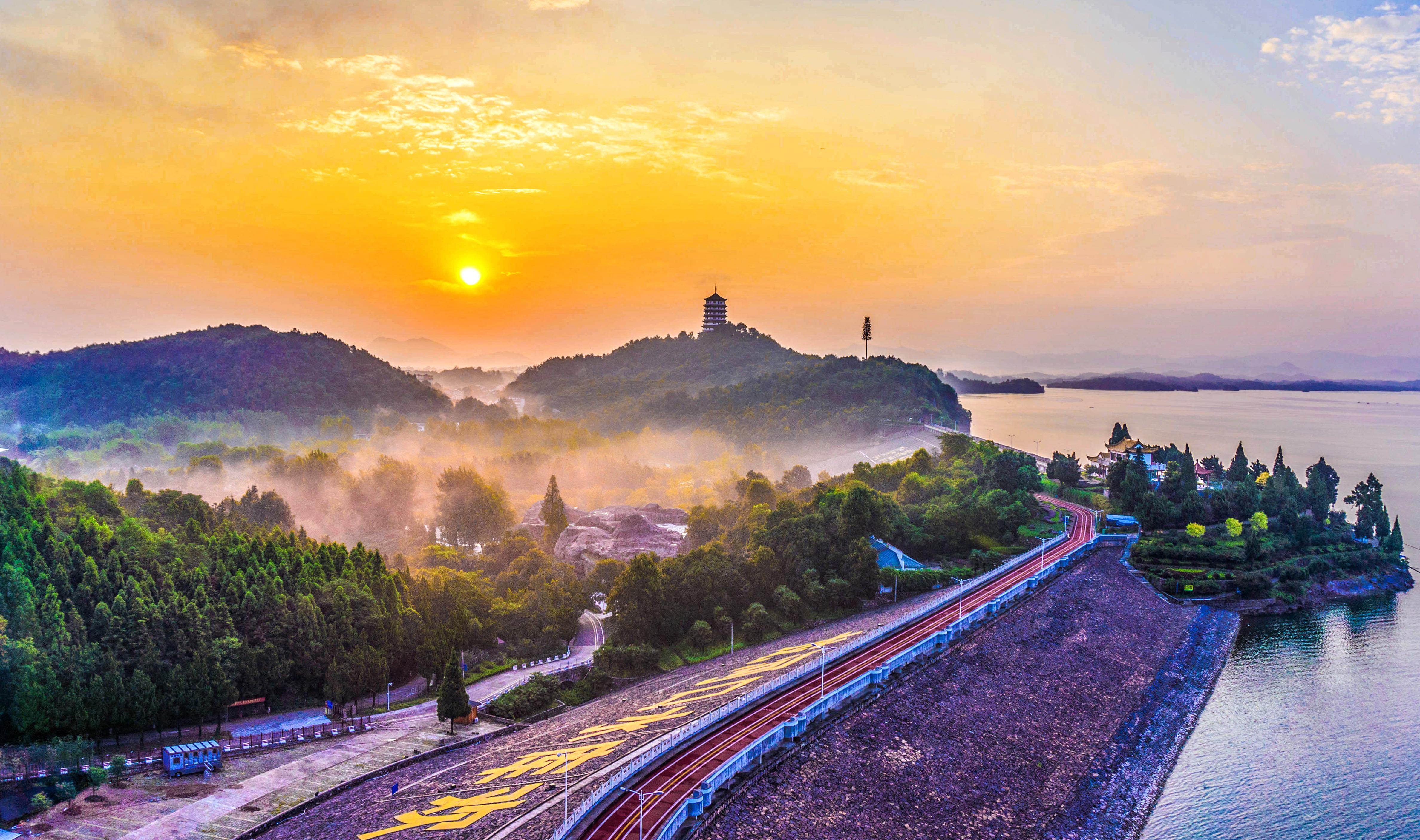 图2 国家级水利风景区——安徽舒城县万佛湖.jpg