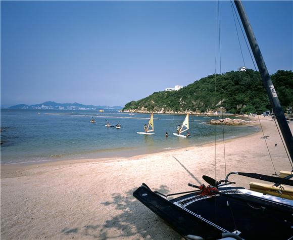 06_长洲岛是海浴及滑浪风帆等水上活动的天堂.JPG